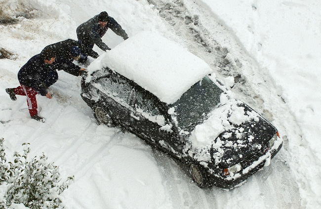 Car stuck in snow Legazpi Guipúzcoa Spain
